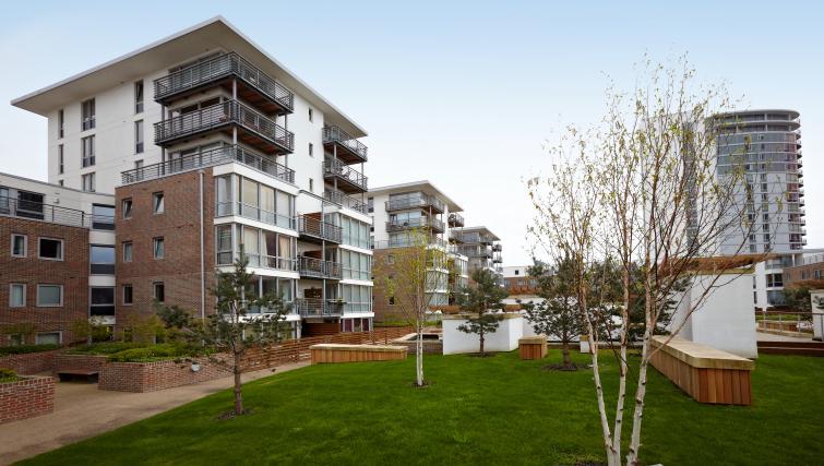 Exterior at Pennant House Apartments - Citybase Apartments